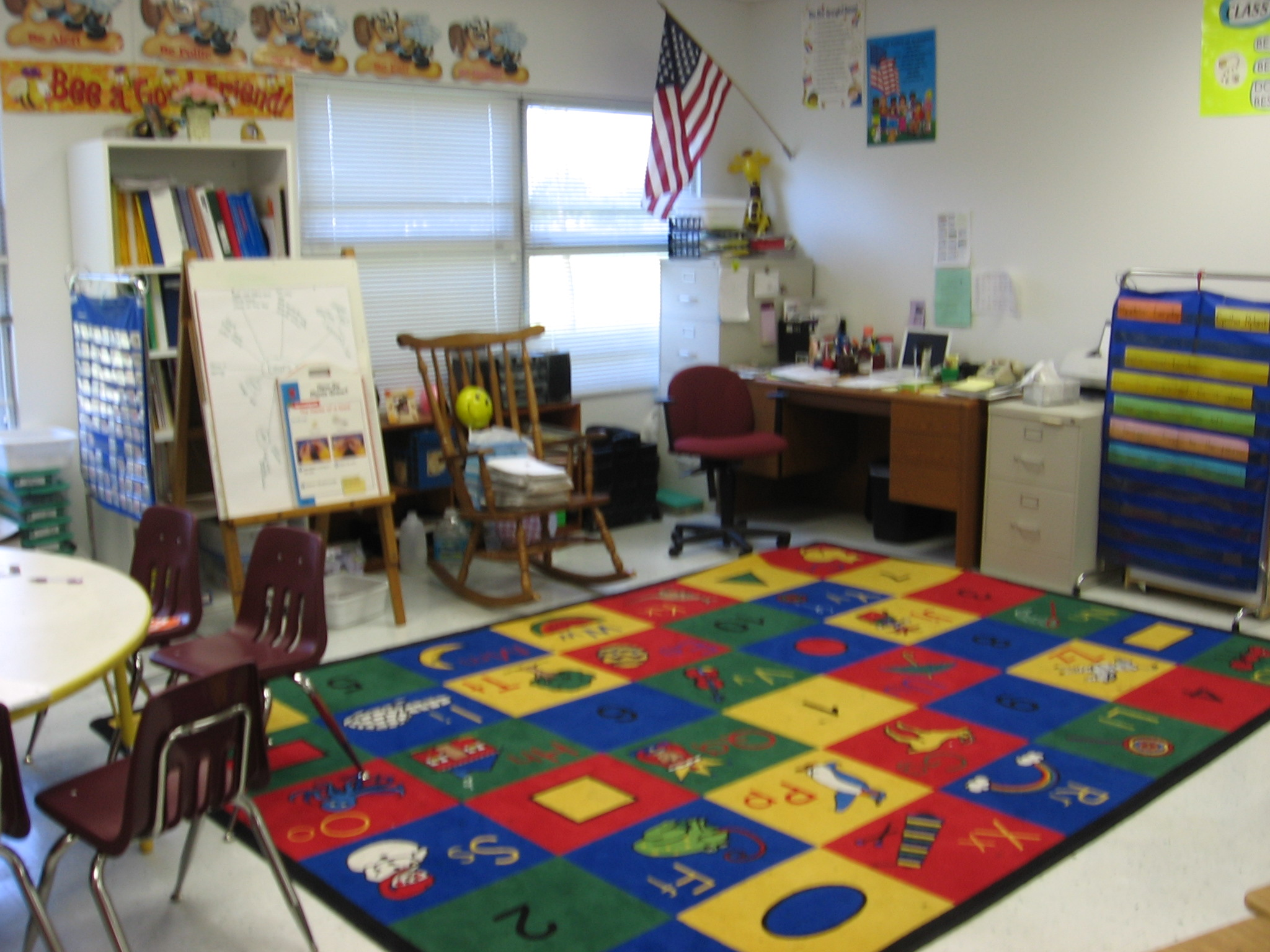 1st Grade. I also like the idea of having the gathering place so close to the teacher's desk–very convenient.